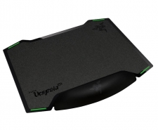 Razer Vespula - Dual-sided Gaming Mouse Mat with Wrist Rest Image