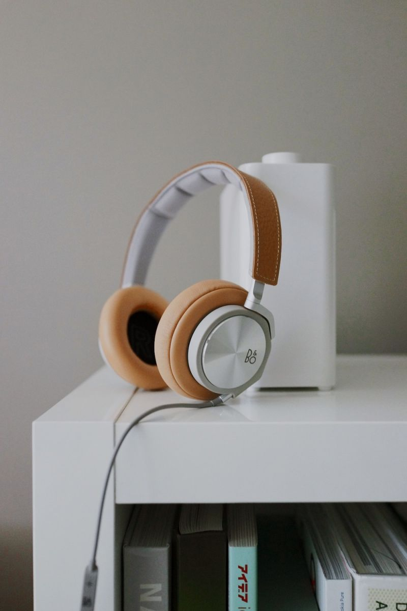 bang and olufsen h6 headphones. stylish over-ear headphones made from premium materials delivering top of the line sound quality. more information on b\u0026o website bang and olufsen h6 v